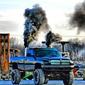 Cummins 12v Smokin truck diesel