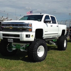 white lifted duramax