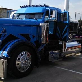 Sweet Blue Big Rig